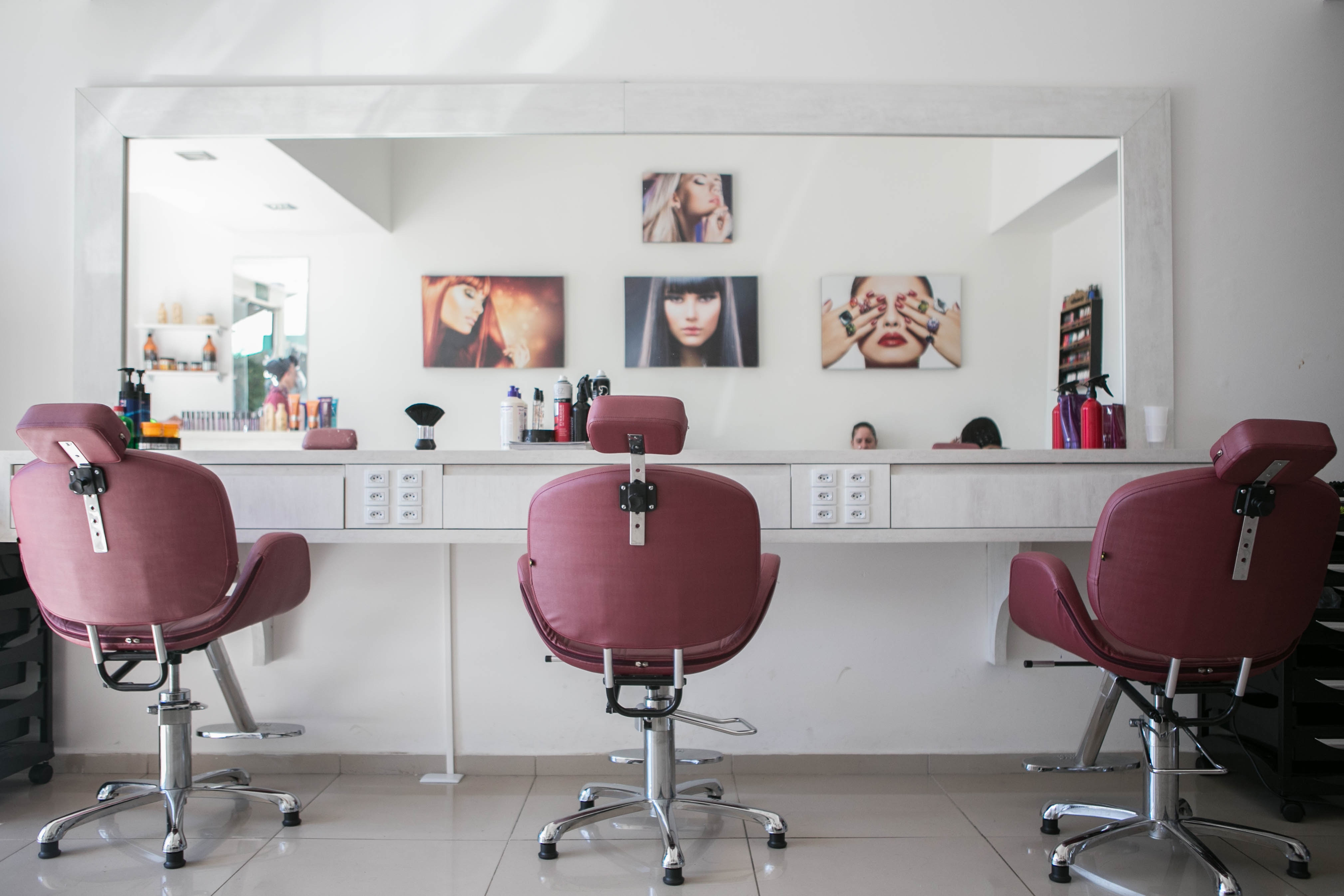 Main reasons to use online booking system in the hairdressing salon